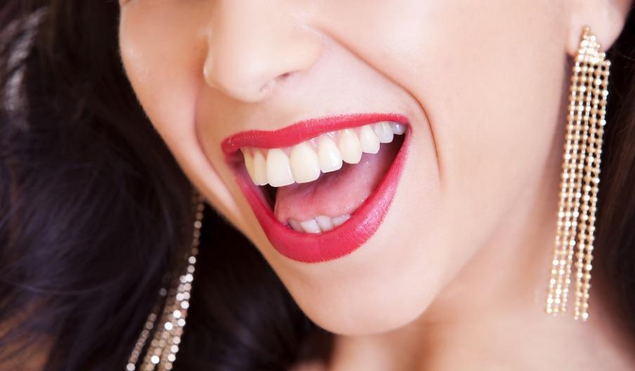 wybielające pasty do zębów