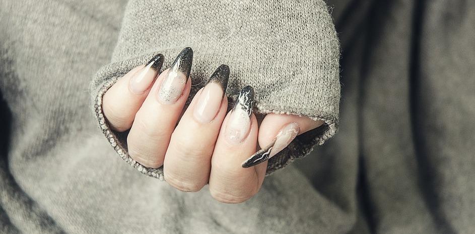 forma do przedłużania paznokci